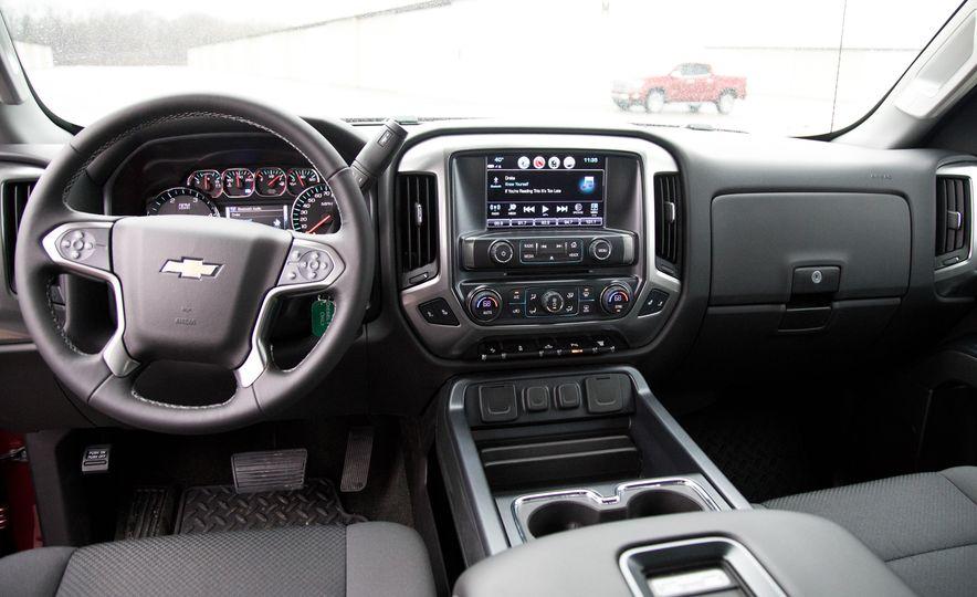 2017 Chevrolet Silverado 2500HD/3500HD - Slide 23