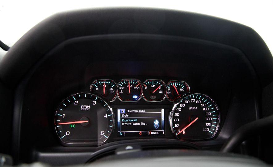 2017 Chevrolet Silverado 2500HD/3500HD - Slide 25