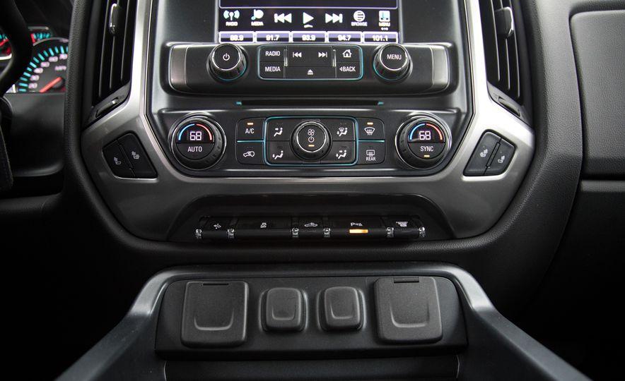 2017 Chevrolet Silverado 2500HD/3500HD - Slide 27