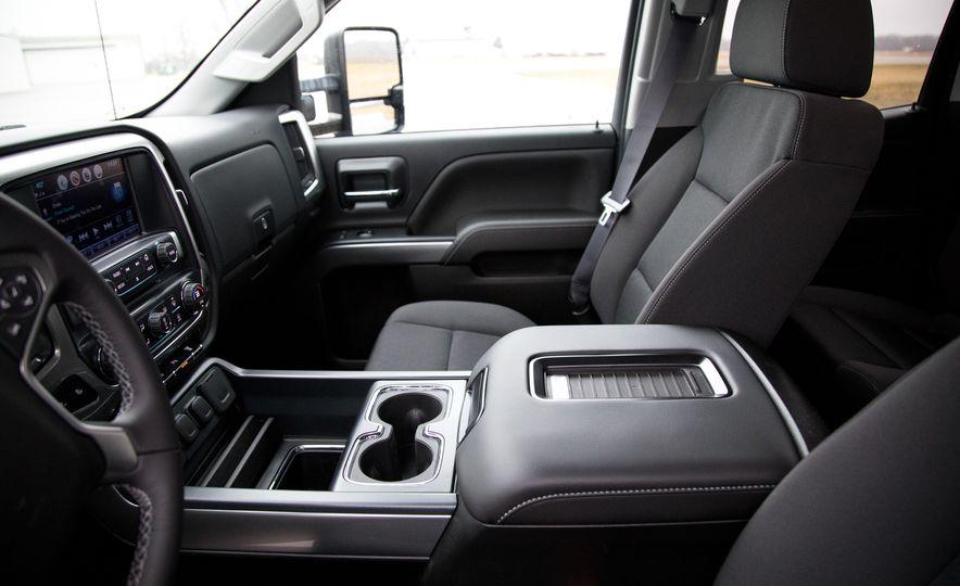 2017 Chevrolet Silverado 2500HD/3500HD - Slide 28