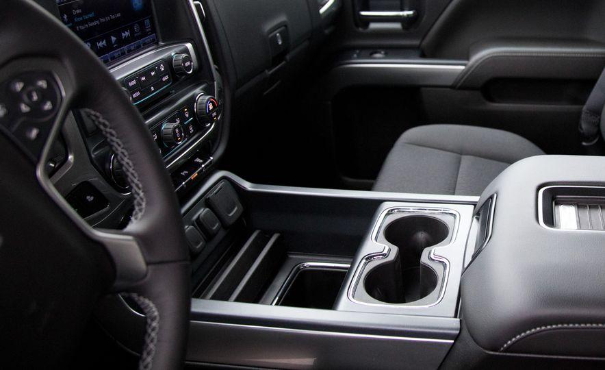 2017 Chevrolet Silverado 2500HD/3500HD - Slide 29