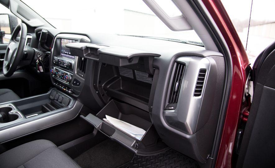 2017 Chevrolet Silverado 2500HD/3500HD - Slide 30
