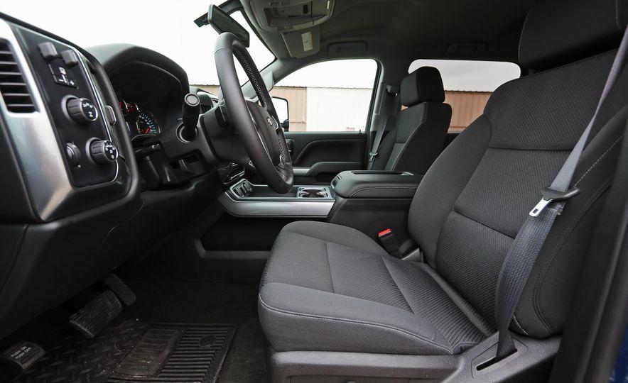 2017 Chevrolet Silverado 2500HD/3500HD - Slide 70