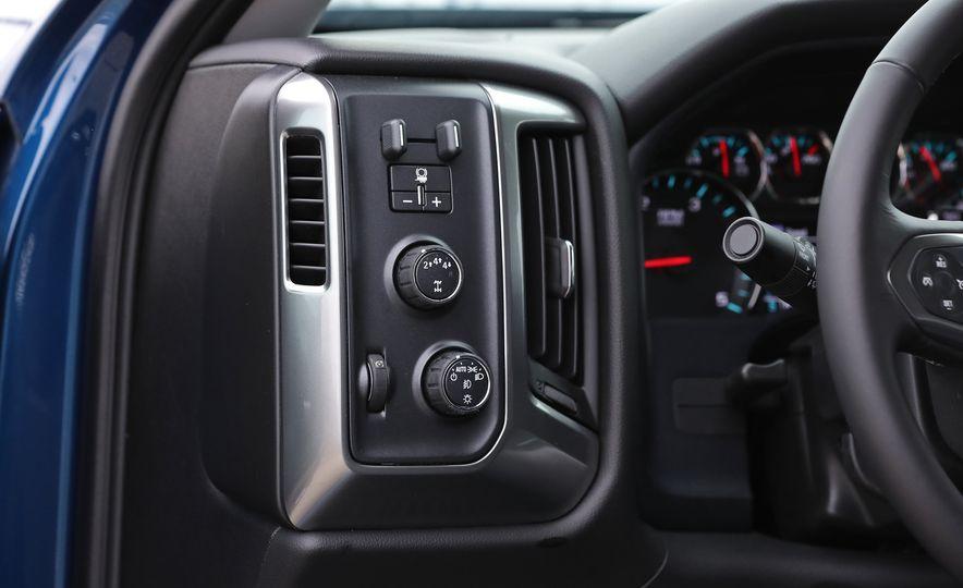 2017 Chevrolet Silverado 2500HD/3500HD - Slide 80