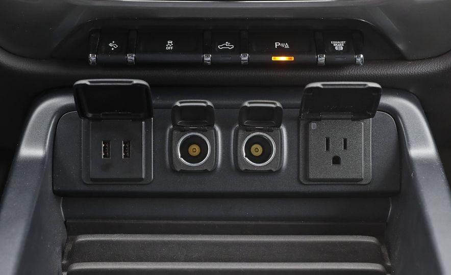 2017 Chevrolet Silverado 2500HD/3500HD - Slide 94