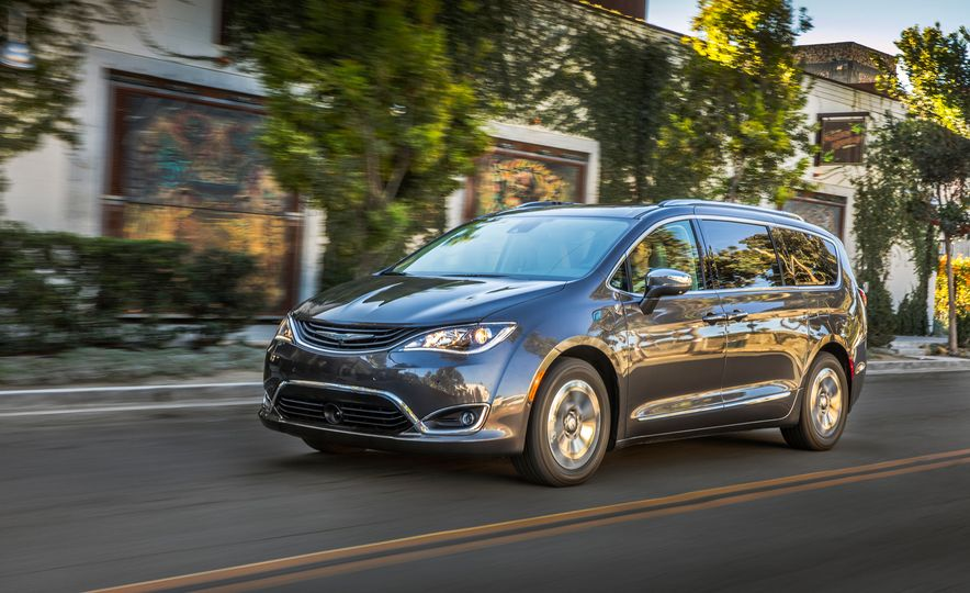 2017 Chrysler Pacifica hybrid - Slide 10