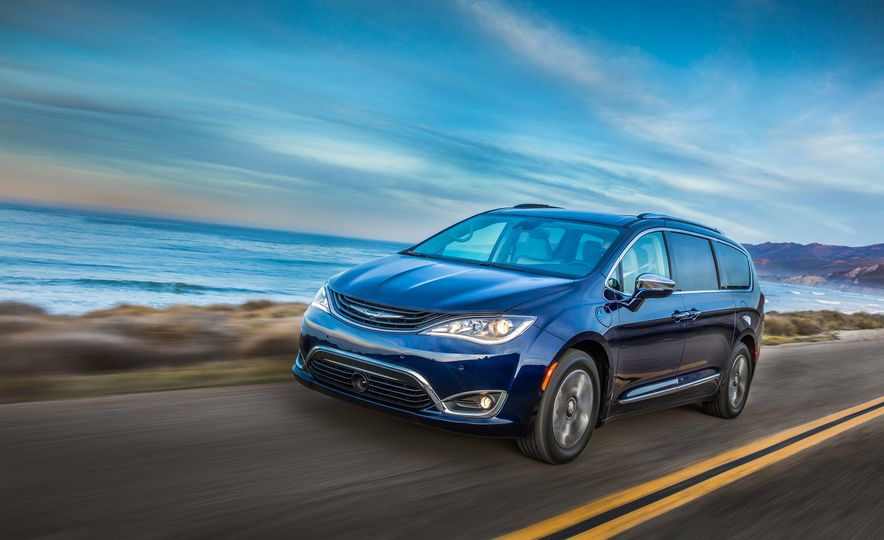 2017 Chrysler Pacifica hybrid - Slide 26