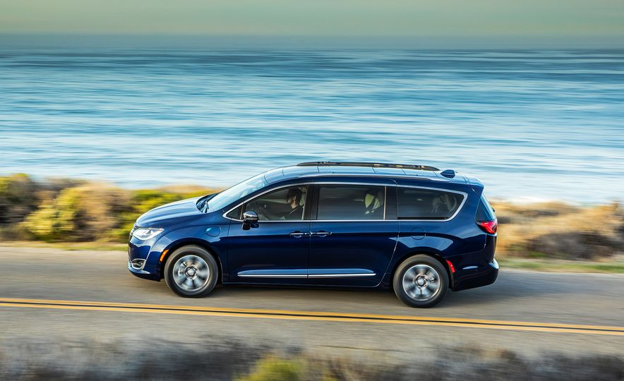 2017 Chrysler Pacifica hybrid - Slide 27