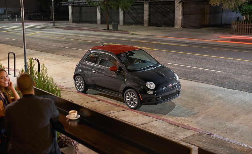 Appearance Is Everything: Fiat 500 Gets Three New Style Packages - Slide 4