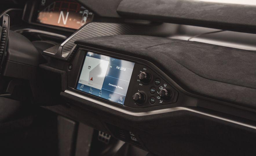 2017 Ford GT - Slide 23