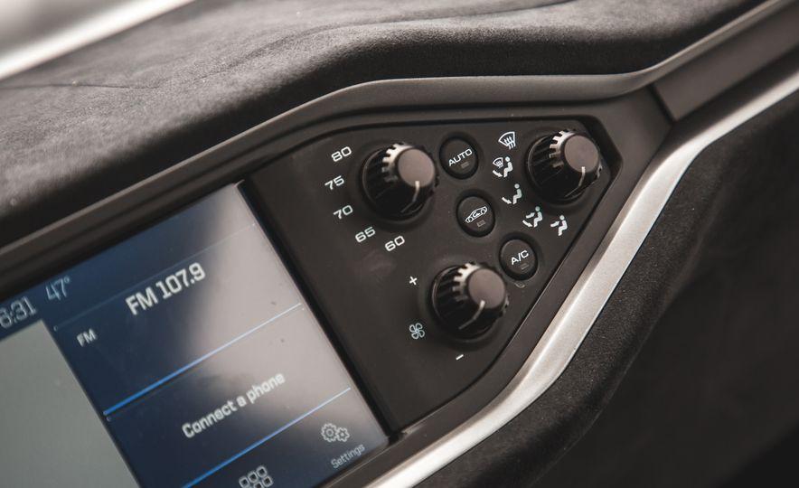 2017 Ford GT - Slide 25