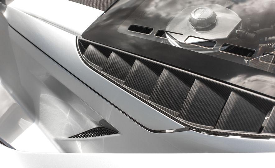 2017 Ford GT - Slide 33