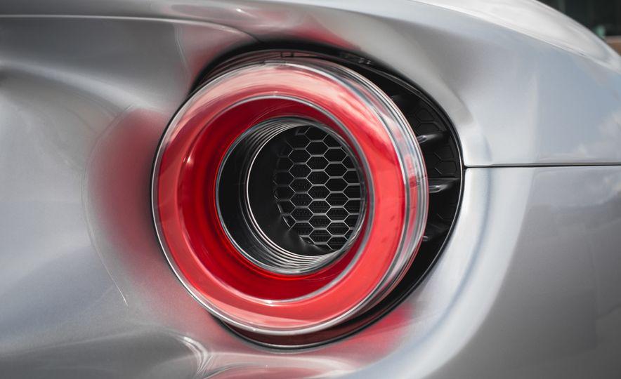 2017 Ford GT - Slide 35