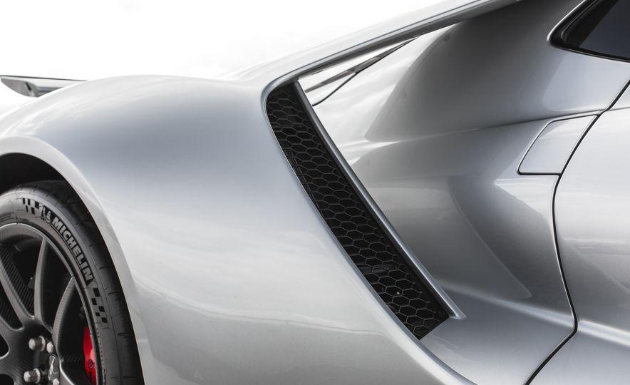 2017 Ford GT - Slide 36