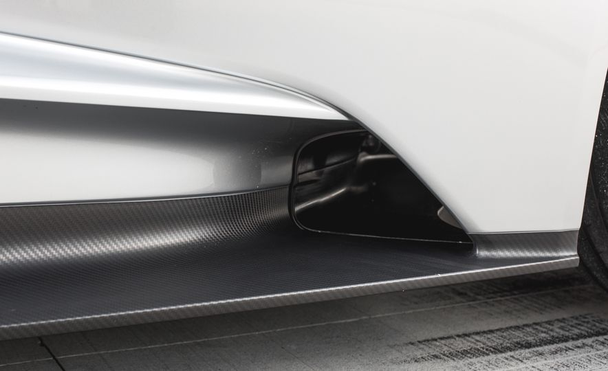 2017 Ford GT - Slide 37