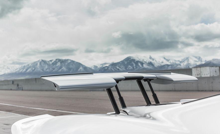 2017 Ford GT - Slide 39