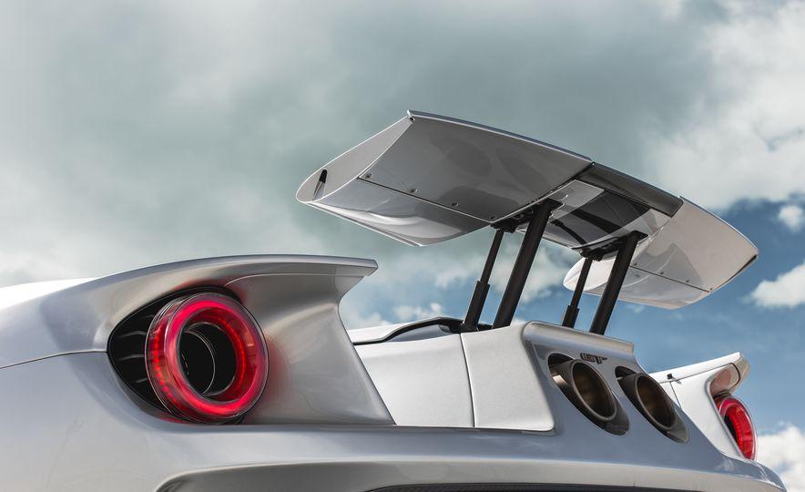 2017 Ford GT - Slide 43