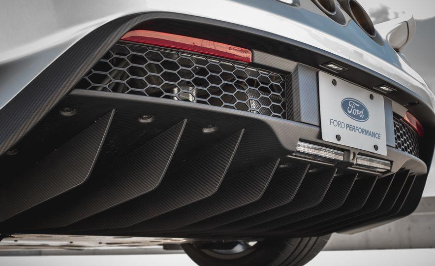 2017 Ford GT - Slide 44