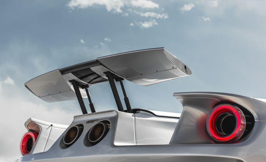 2017 Ford GT - Slide 45