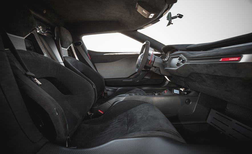2017 Ford GT - Slide 49