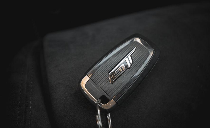 2017 Ford GT - Slide 75