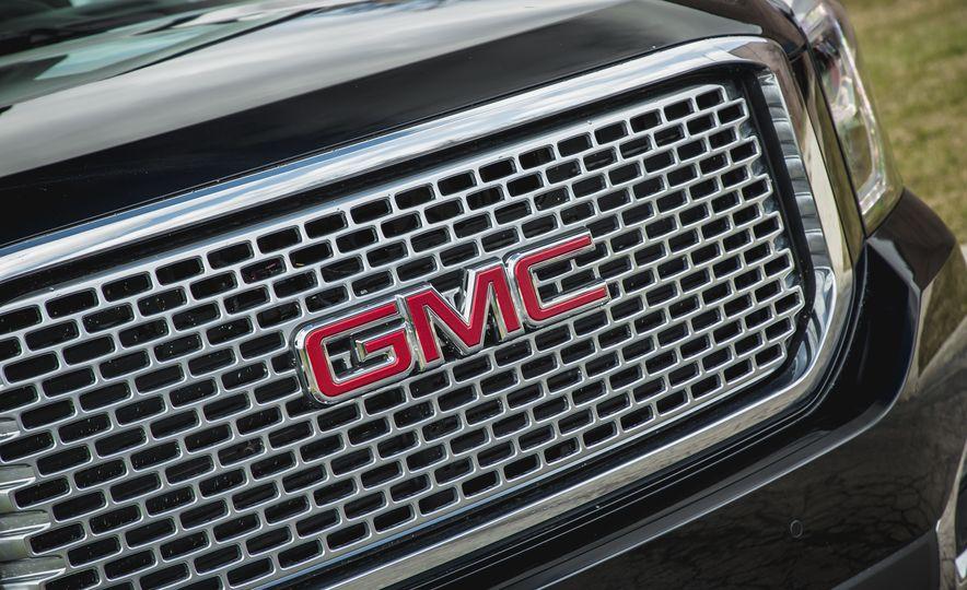 2017 GMC Yukon XL - Slide 17