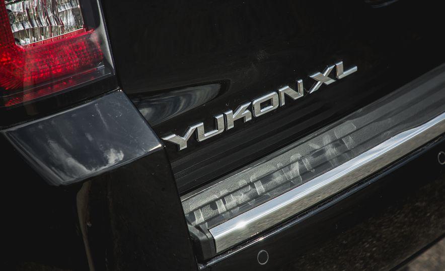 2017 GMC Yukon XL - Slide 25