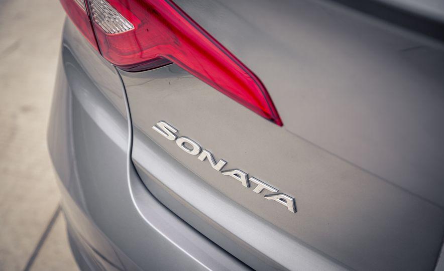 2017 Hyundai Sonata - Slide 19