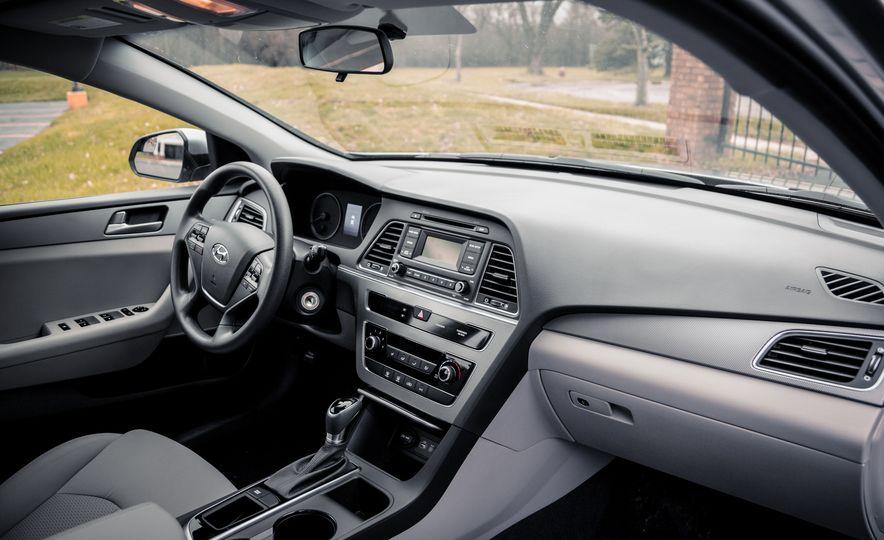 2017 Hyundai Sonata - Slide 21