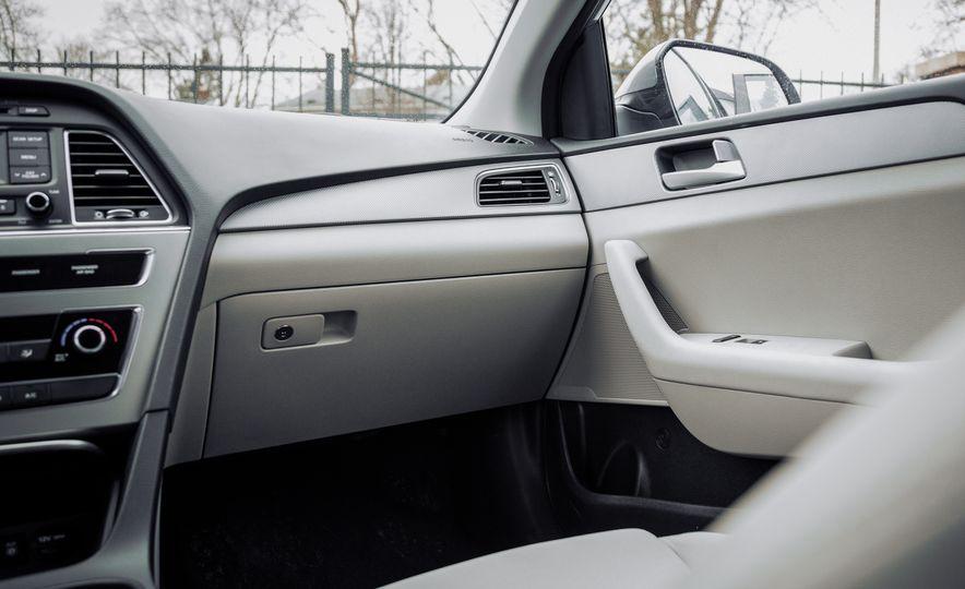 2017 Hyundai Sonata - Slide 33