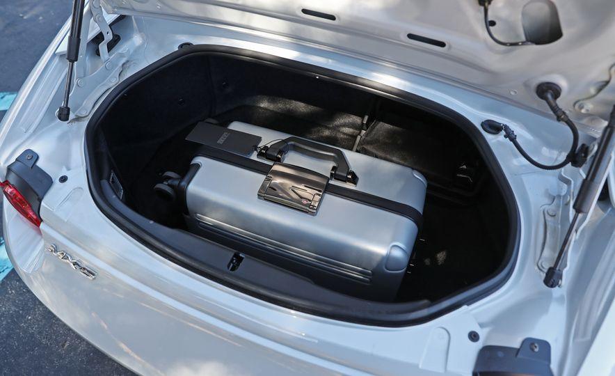 2017 Mazda MX-5 Miata - Slide 110