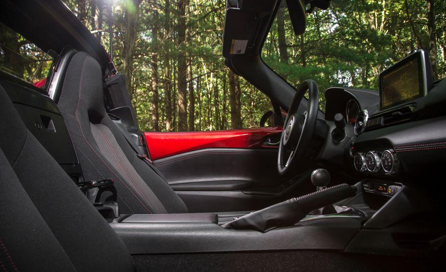 2017 Mazda MX-5 Miata - Slide 126