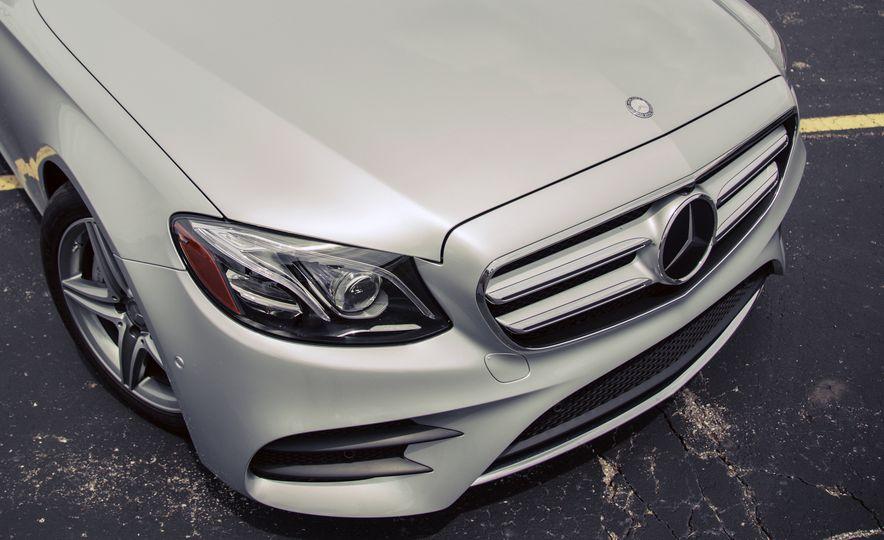 2017 Mercedes-Benz E300 - Slide 17