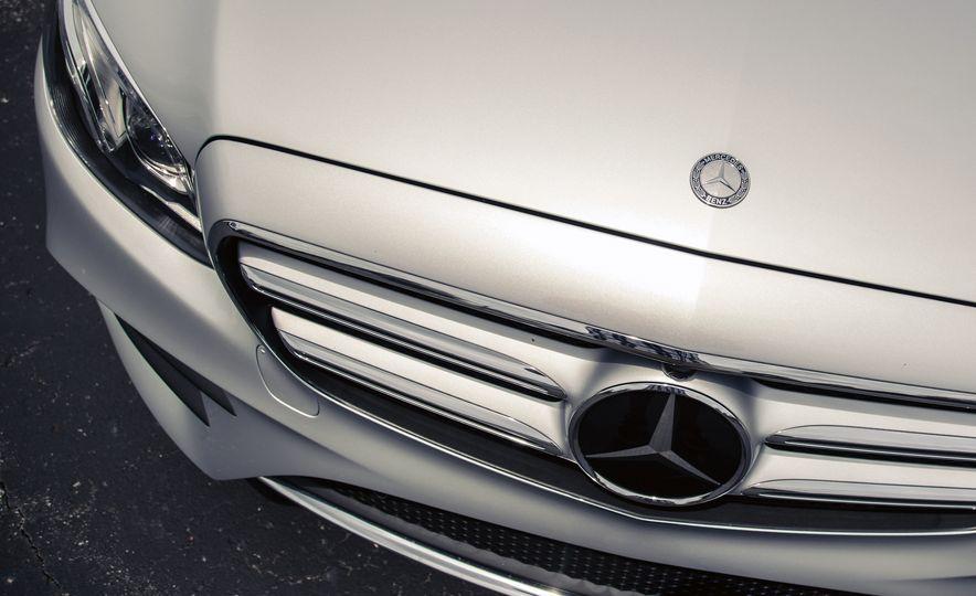2017 Mercedes-Benz E300 - Slide 18