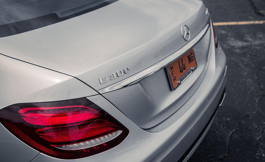 2017 Mercedes-Benz E300 - Slide 22