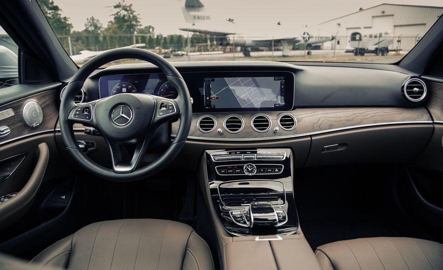 2017 Mercedes-Benz E300 - Slide 27