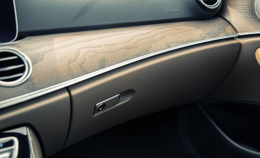 2017 Mercedes-Benz E300 - Slide 44