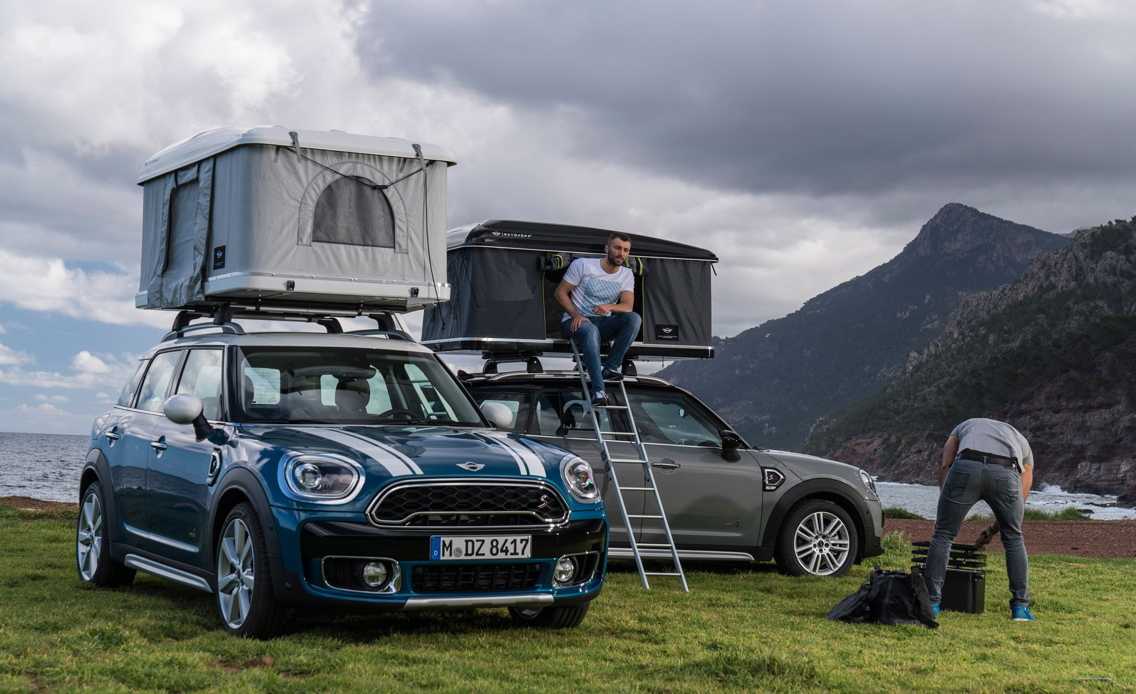 2017 Mini Cooper Countryman Pictures  Photo Gallery  Car and Driver