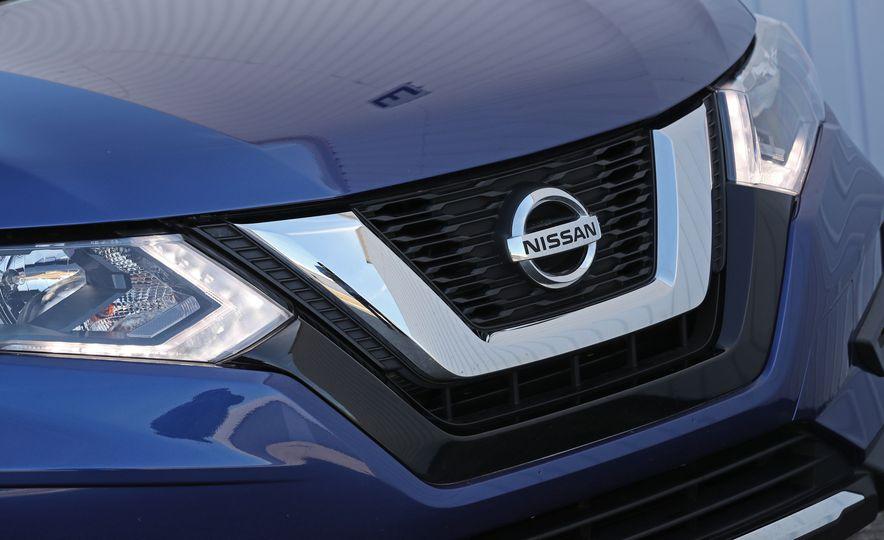 2017 Nissan Rogue - Slide 22