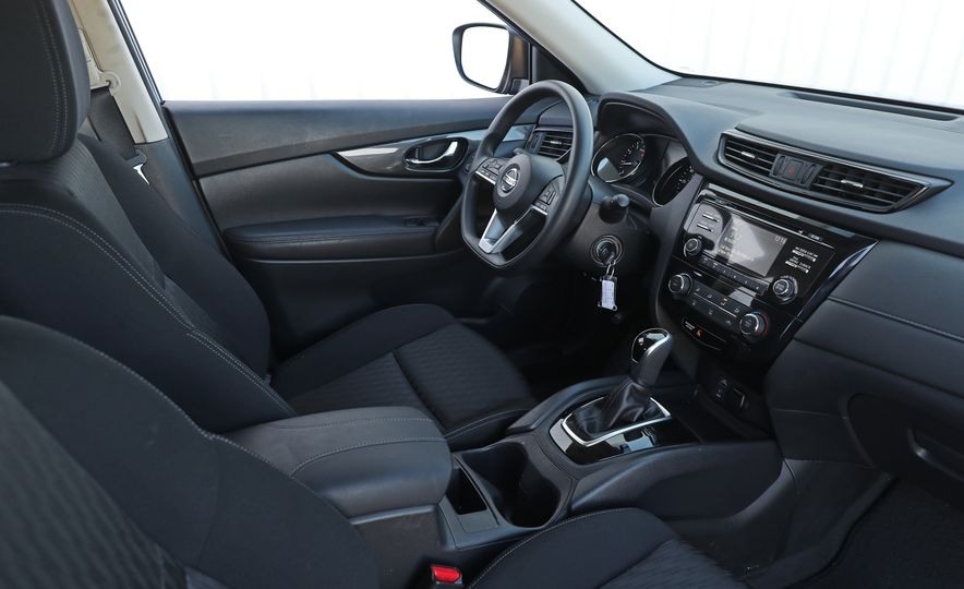 2017 Nissan Rogue - Slide 31