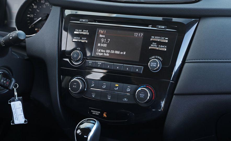 2017 Nissan Rogue - Slide 41