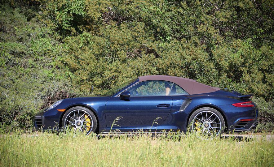 2017 Porsche 911 Turbo S cabriolet - Slide 5