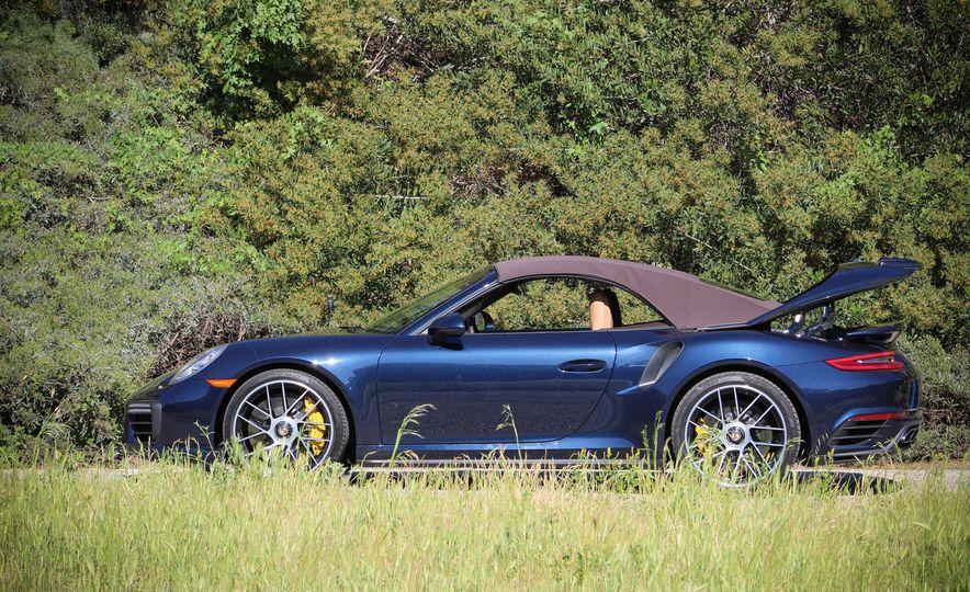 2017 Porsche 911 Turbo S cabriolet - Slide 6