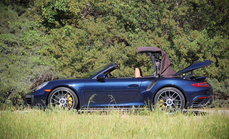 2017 Porsche 911 Turbo S cabriolet - Slide 7