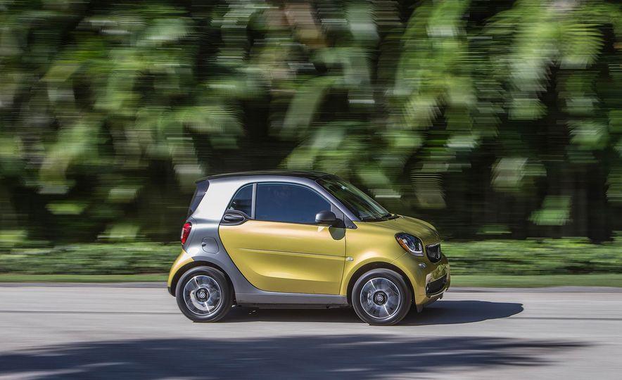 2017 Smart Fortwo Electric Drive hatchback - Slide 1