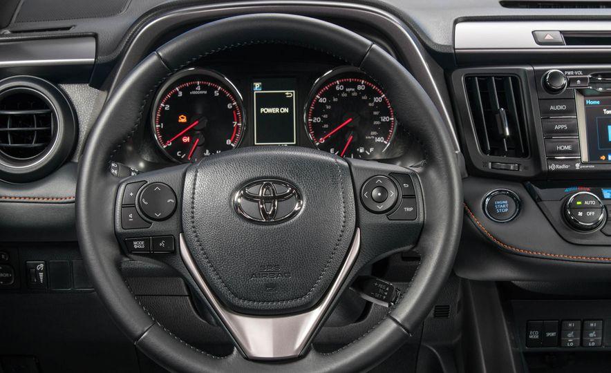 2017 Toyota Rav4 - Slide 18