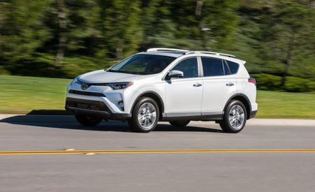 Rollback: Toyota Cuts 2017 RAV4 Prices by as Much as $1330