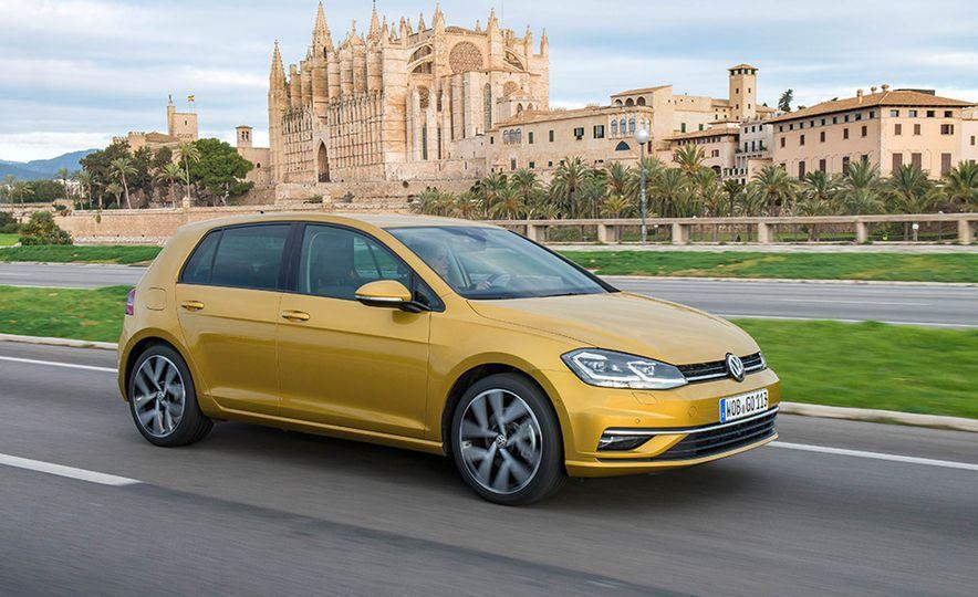 2017 Volkswagen Golf 1.0T - Slide 2