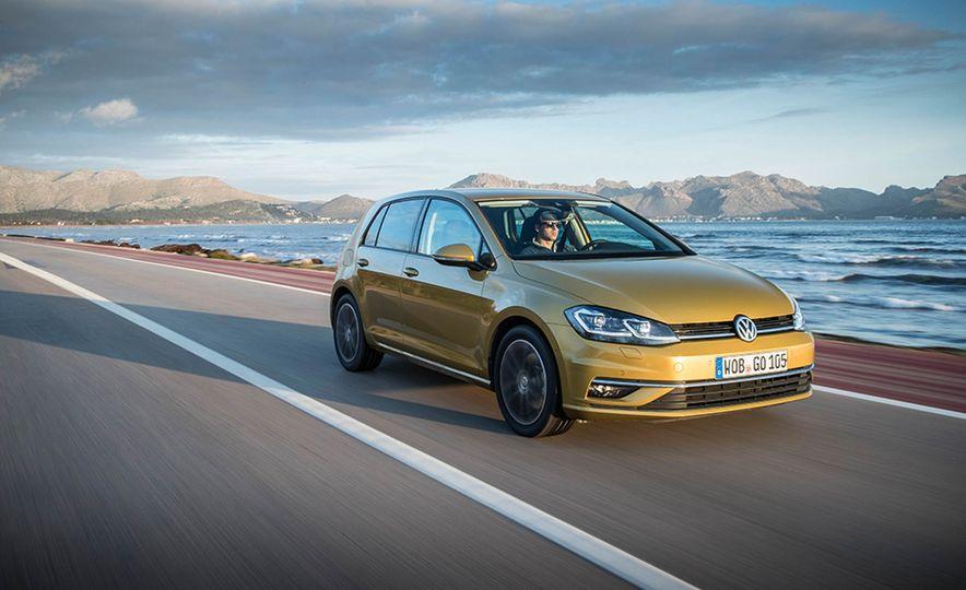 2017 Volkswagen Golf 1.0T - Slide 3