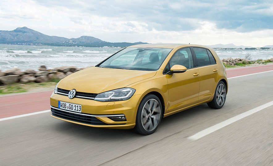 2017 Volkswagen Golf 1.0T - Slide 9